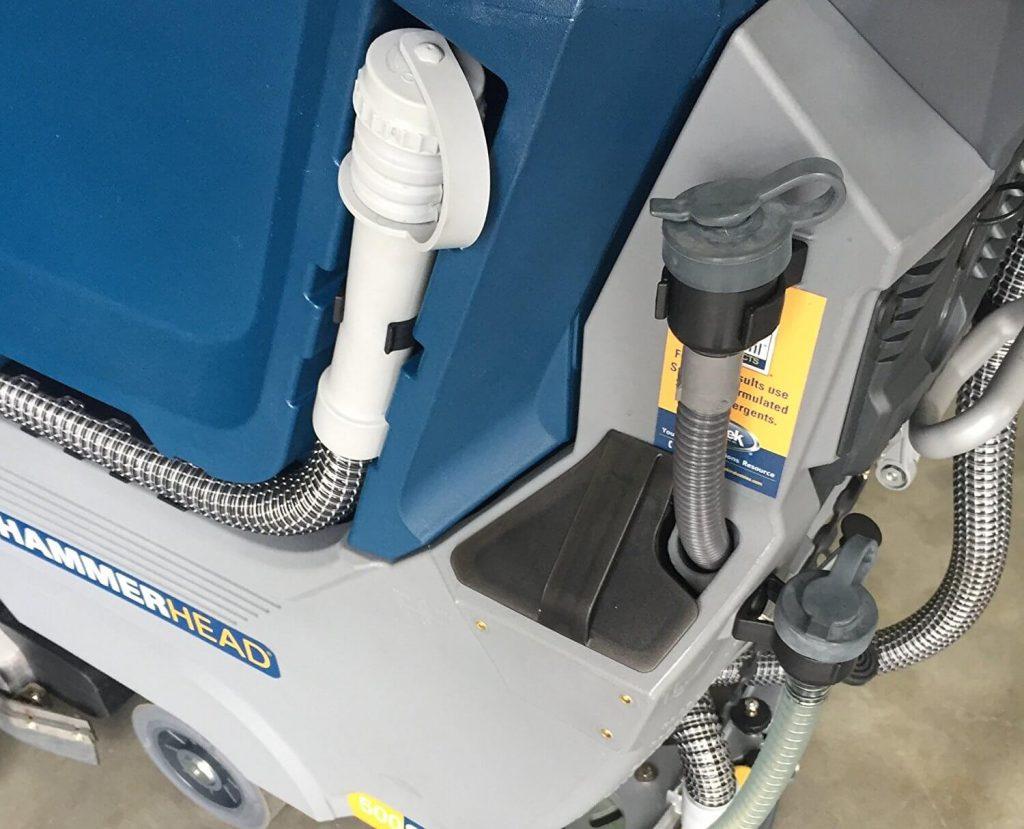 boquillas de agua y detergente del deposito de maquina fregadora industrial