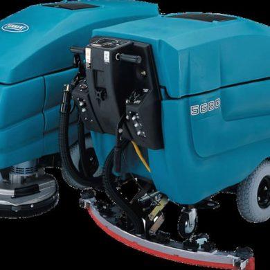 Fregadora de suelos Tennant 5680