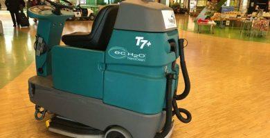 Fregadora de suelos tennant T7+ limpiadora
